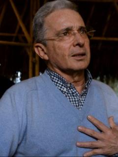 Álvaro Uribe, quien lamentó con un sentido mensaje la muerte de Herbin Hoyos