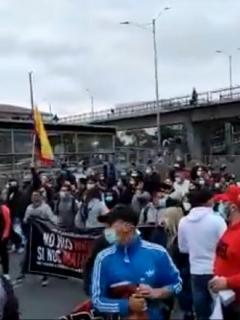 Autopista Norte, bloqueada en Bogotá.