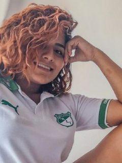 """Fay Martínez, quien afirmó que se """"empelotaría"""" si Marco Pérez hacía un gol con el Deportivo Cali, subió la respectiva foto desnuda en Twitter."""
