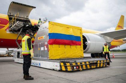 9 días después de la llegada del primer lote de vacunas de Pfizer y BioNtech, Colombia recibirá el segundo.