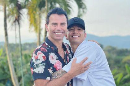 Jhonny Rivera y Andy Rivera, ilustran nota de celebración de cumpleaños de Jhonny Rivera