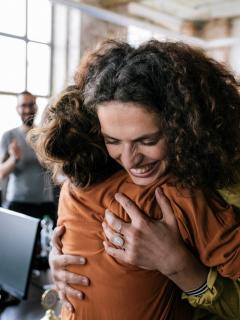Trabajo para mujeres en Colombia: normas para sacar acabar la discriminación.