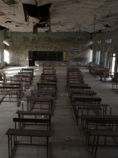 Imagen de aula vacía ilustra artículo Secuestran 300 niñas en escuela de Nigeria; acusan a banda con vínculo yihadista