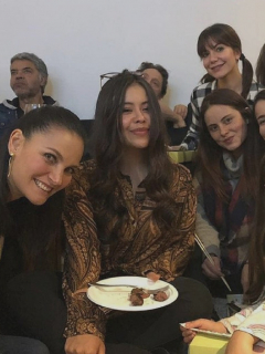 Juliana Galvis, Juliette Pardau y otras actrices de 'Pa' quererte' en foto que ilustra nota sobre regreso de Lola a la novela.