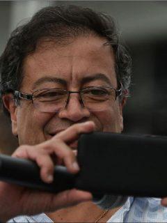 Gustavo Petro anunció que el Consejo de Estado ratificó fallo que ordena suspender multa por bajar pasaje de Transmilenio