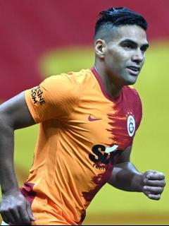 Radamel Falcao García, quien habría hablado con el técnico del Galatasaray y se habría enterado de que ahora será suplente en el equipo