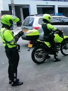 Imágen de los policías de Tránsito en Bogotá.
