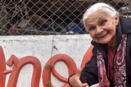 Doña Anciana, icónico personaje de la Tele Letal, tiene ya 90 años y el cariño de toda una audiencia que la respeta y respalda.