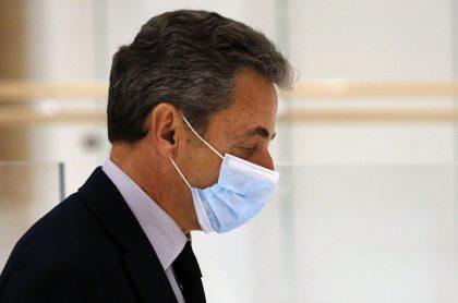 Nicolás Sarkozy, expresidente de Francia, fue condenado este lunes a tres años de prisión por corrupción y tráfico de influencias.