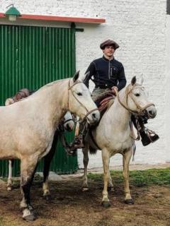 Marcos Villamil, el ingeniero que renunció a su trabajo en un banco para recorrer Argentina a caballo