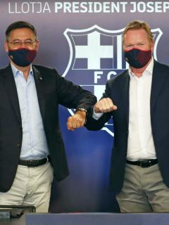 Foto de Ronald Koeman y Bartomeu ilustra nota sobre Barcelona F.C. reacciones de Ronald Koeman y más personajes sobre el 'Barçagate'
