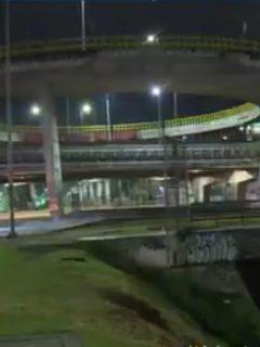 Bogotá: hallan muerto a hombre en un caño; estaba muy bien vestido