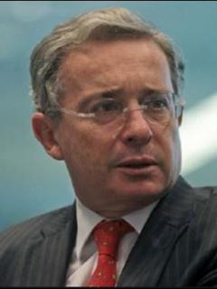 Álvaro Uribe Vélez y el hacker Andrés Sepúlveda, que declarara y cambia su versión en el caso chuzadas al proceso de paz