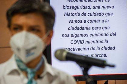 La alcaldesa de Bogotá, Claudia López, fue atacada esta semana con una noticia falsa sobre compra de tapabocas.