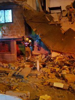 Casa destruida, en Medellín, por fuerte explosión que afectó a 39 viviendas más