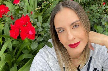 Selfi de Laura Acuña, ilustra nota sobre nuevo programa de Canal RCN, los presentadores que tendría y entre los que la incluyeron a ella.