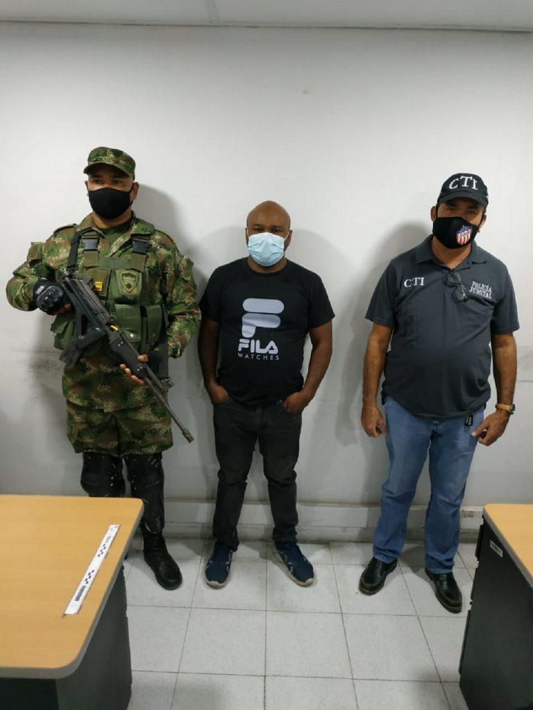 Rubén Darío Villa, locutor que golpeó a su exnovia detenido / Policía