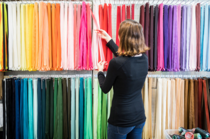 La moda sostenible se ha convertido en uno de los conceptos predilectos a la hora de hablar de la industria textil y su incidencia ambiental.