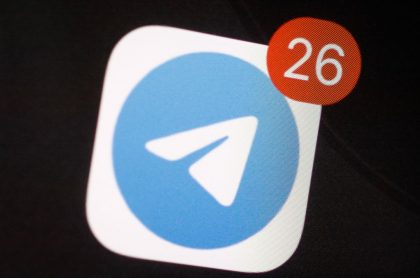 Foto del logo de Telegram ilustra nota sobre función de 'personas cerca'