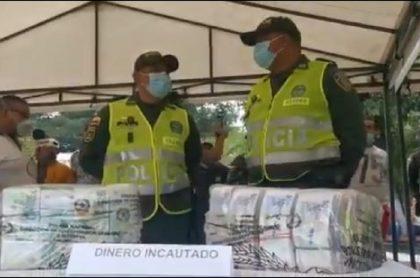 La Policía en Cúcuta presentó el dinero que le fue incautado a un pasajero en el aeropuerto Camilo Daza