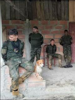 Imagen de los 9 militares retenidos por indígenas en Chocó, cuando patrullaban en Carmen de Atrato