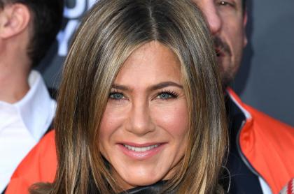 Jennifer Aniston en el estreno de 'Misterio a bordo', dos años antes de que se conociera su 'doble' argentina.