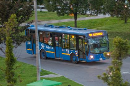 Bus SITP ilustra imagen de presunto suicidio que reportó Transmilenio