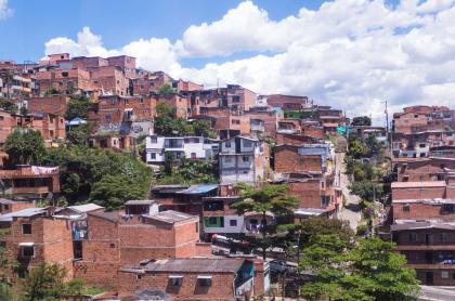 Foto de Medellín ilustra nota sobre el Sisbén, grpos y cómo consultar