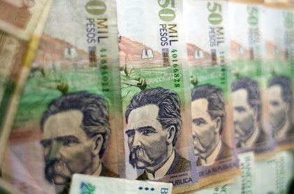 Imagen de dinero colombiano, a propósito del nuevo subsidio anunciado por el gobierno.