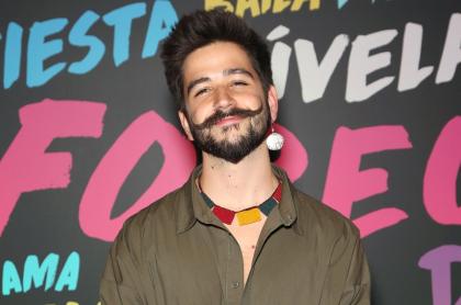 Camilo Echeverry, quien mostró cómo se vería sin barba ni bigote con un filtro de TikTok, durante la 20a entrega anual del Latin GRAMMY en el MGM Grand Hotel & Casino el 12 de noviembre de 2019 en Las Vegas, Nevada.