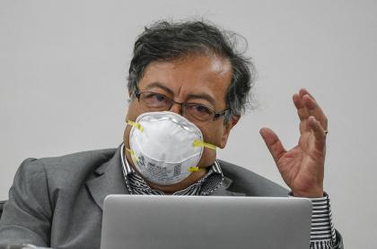 Gustavo Petro, durante una sesión virtual del Senado de la República.