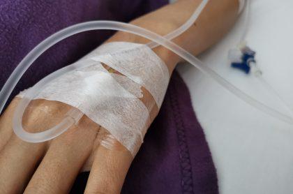 Imagen que ilustra la hospitalización de niños heridos con cuchillos