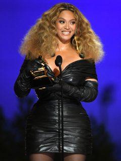 Beyoncé, la mujer con más premios Grammy en las historia.