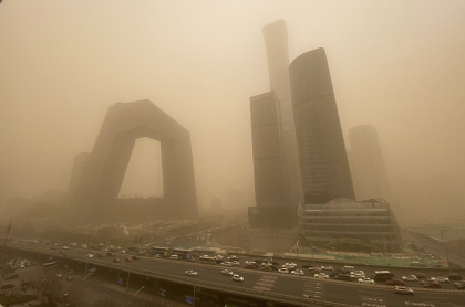 Tormenta de arena azota a Pekín