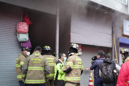 Incendio en San Andresito de Bogotá; Bomberos controlan emergencia