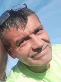 Juan Manuel García, que trabajaba doble turno para pagarle fiesta de 15 años a hija con síndrome de Down, fue asesinado por un ladrón en Argentina.