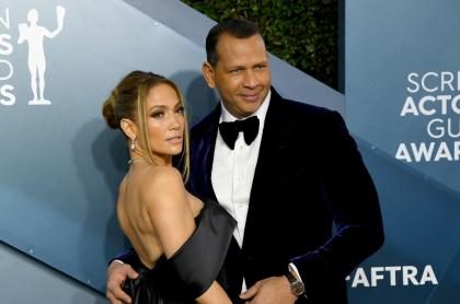 Foto de Jennifer Lopez y Alex Rodriguez, a propósito de sus fortunas
