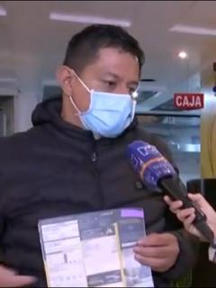 Alexánder Ramírez, dueño de un restaurante en Bogotá que se queja del elevado costo en la factura de gas de Vanti