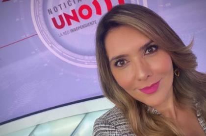 Selfi de Mónica Rodríguez en Noticias Uno, a propósito que respondió si va a ser candidata al Congreso en elecciones 2022.