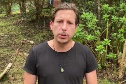 Alejandro Riaño, quien fue amenazado por un usuario de redes sociales que ahora está asustado por las posibles consecuencias de su actuar y ahora pide disculpas