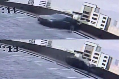 Un carro de alta gama se precipitó al vacío en Medellín por un aparente error humano.