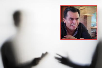 Hombres detrás de vidrio entregan plata y captura de pantalla de  Javier Estrada Cárdenas, político mexicano que dice que se puede gastar el dinero público hasta en putas