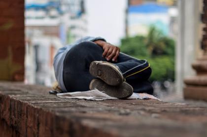 La Corte Constitucional defendió el derecho de los habitantes de calle a hacer sus necesidades fisiológicas en el espacio público.