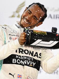 Lewis Hamilton celebra una de sus tantas victorias.