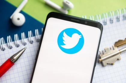 Foto de logo de Twitter ilustra nota sobre posible nueva función de Twitter
