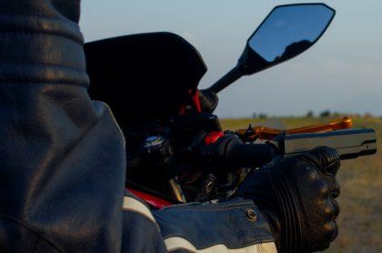 Persona en moto y con arma ilustra nota sobre nueva balacera en Bogotá