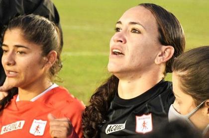 Luz Katherine Tapia, arquera del América de Cali, amenazada por gol que recibió en Copa Libertadores Femenina.