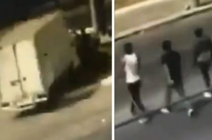 Un conductor atropelló en México a tres ladrones que lo habían robado. Al final, la policía lo arrestó debido a que dos de los atracadores murieron.