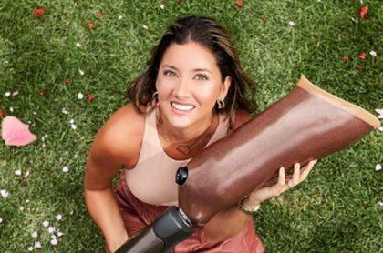 Daniella Álvarez, presentadora del Desafío, mostró cómo funcionan sus 3 piernas.