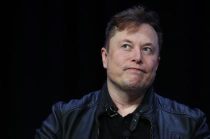 Foto de Elon Musk ilustra nota sobre que China prohíbe Tesla en instalaciones militares